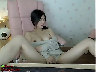 Xbabe korean beauty shows her big boobs